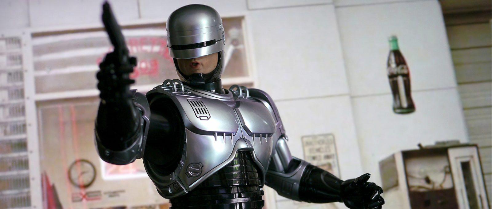 Сиквел «Робокопа» нашел нового режиссера.