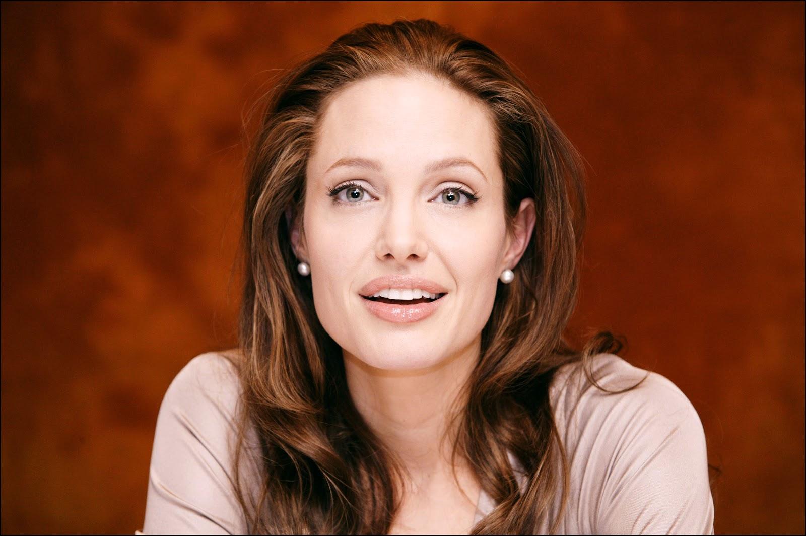 """Анджелина Джоли снимется в криминальной драме сценариста """"Убийцы""""."""
