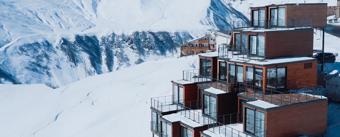 """«Отель """"У погибшего альпиниста""""» получит новую экранизацию"""
