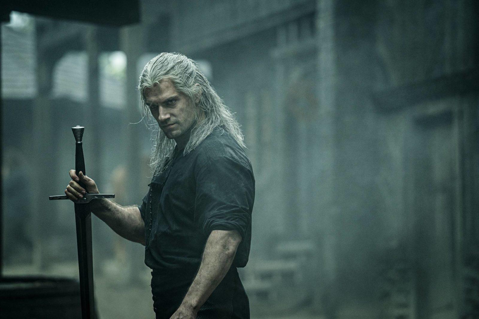 Генри Кавилл получил травму ноги на съёмках «Ведьмака»