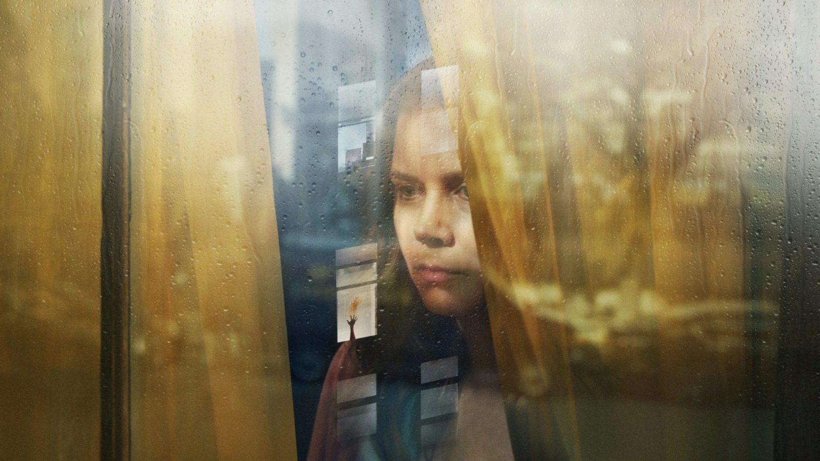Триллер «Женщина в окне» с Эми Адамс выйдет на Netflix 14 мая